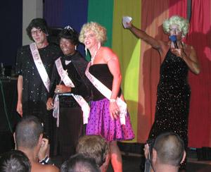 Miss CMEN Queen 2005 Philip with runners up